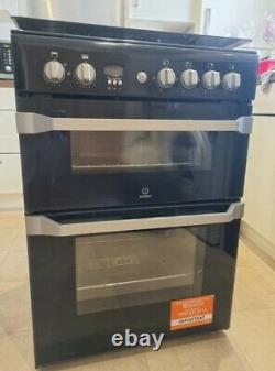 Indesit ID60G2K 60cm Freestanding Gas Cooker with Gas Hob Black/Silver